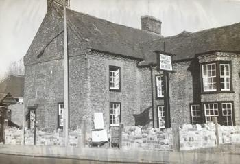 The Old White Horse about 1960 [PL/PH/2/32]